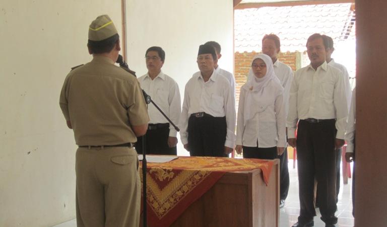 Sebanyak 9 anggota BPD dilantik oleh Camat Lumbir atas nama Bupati Banyumas