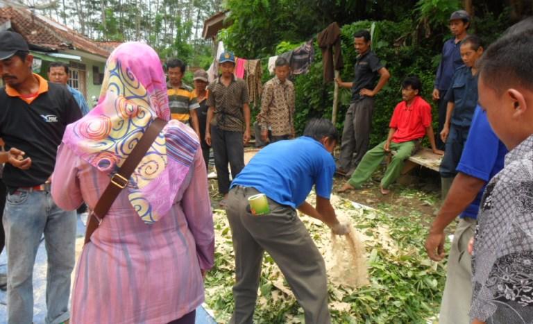 Kelompok Ternak Wana Mukti Desa Dermaji Ikuti Pelatihan Pengolahan Pakan Complete Feed